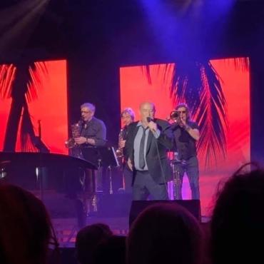 Michel Jonasz était en concert à la Grande Halle de Saint Gaudens à l'occasion d'un des concerts organisés dans le cadre de la saison culturelle de la ville de Saint Gaudens